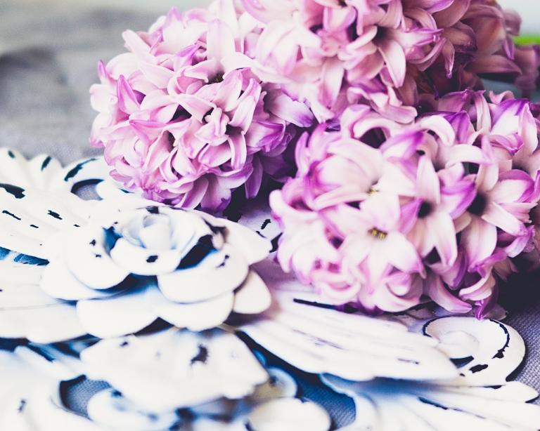 lb_crystal_hyacinths_wh.tile